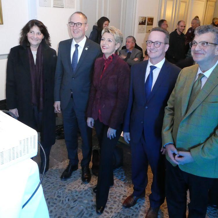 Gut gelaunte Bundesrätin Karin Keller-Sutter am Neujahrs-Apéro der Bündner FDP.Die Liberalen